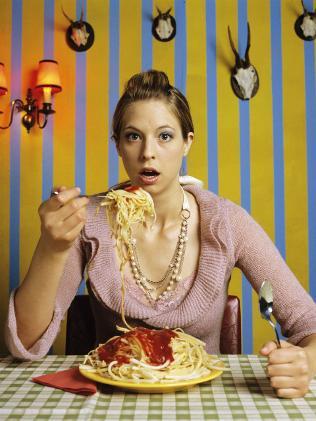 glycemic-pasta-woman